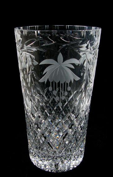 10 inch Con Vase Fucshia