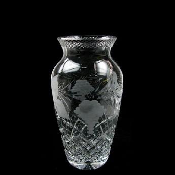 9 inch Urn Vase Grapevine