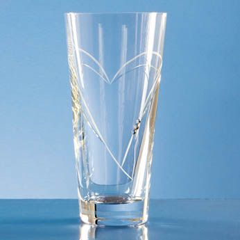 20cm Diamante Conical Vase with Heart Shaped Cutting